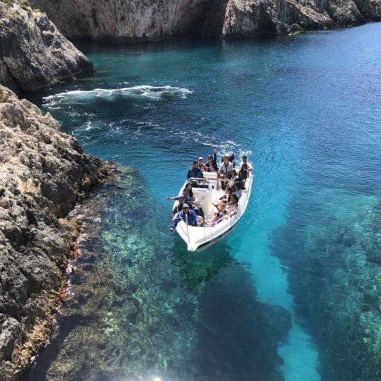 noleggia barca zante rent a boat