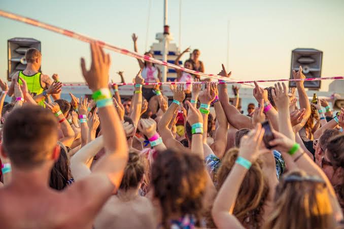 feste in barca addio al celibato zante