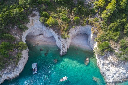 le grotte dell' Isola di Zante