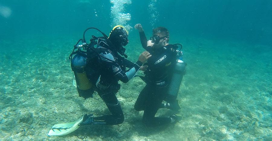 plongée sous marine sauvetage plongeur