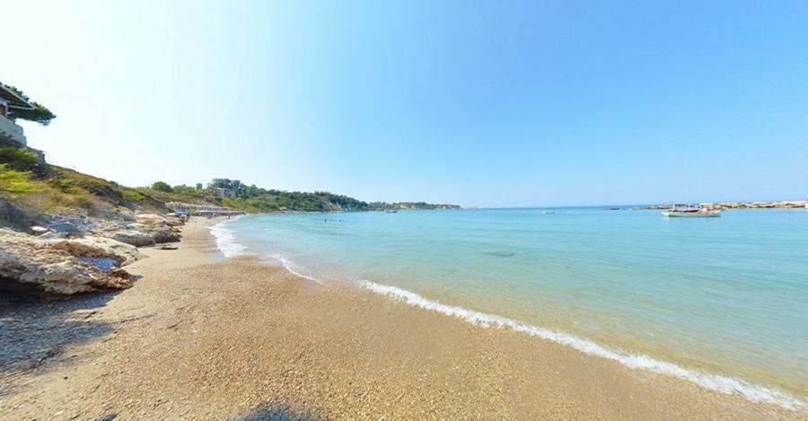 spiaggia porto roma costa orientale zante