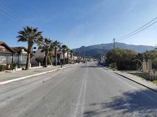 strada principale di Kalamaki